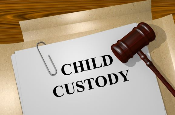 5 Signs That You May Want to Hire a Child Custody Lawyer