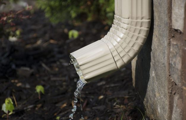 Everything to Consider When Choosing a Gutter Repair Service